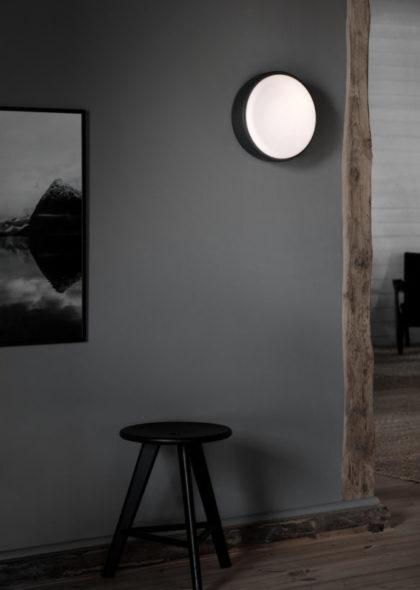 Above_30_Dark-grey-wall-High_res_Photo-Chris_Tonnesen-583x819